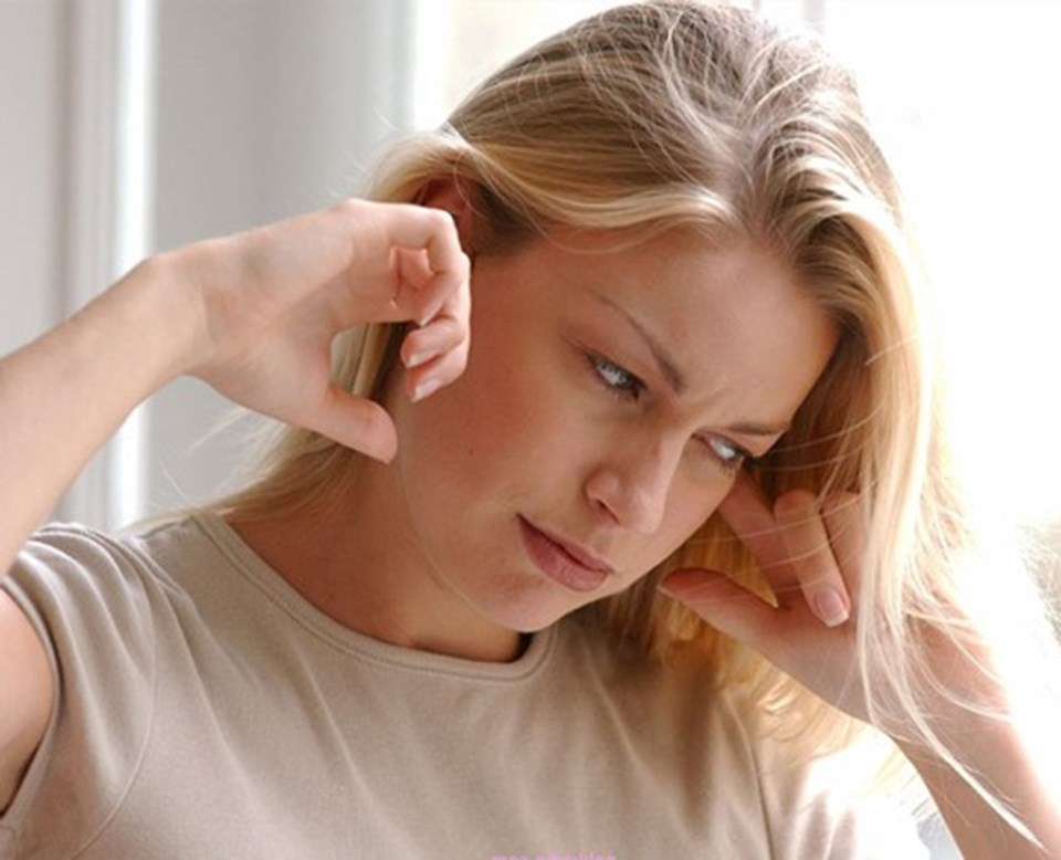 Что делать если таракан заполз в ухо